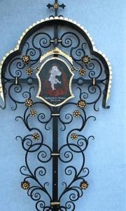 antikes Grabkreuz mit Madonna blattvergoldet