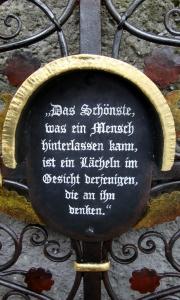 Grabkreuz Heil – antik Schriftmuster