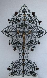 Grabkreuz B6K mit Rosen