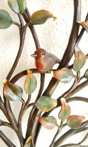 Lebensbaum Indian Summer,  Ausschnitt mit geschmiedeten Vögelchen,  Alternative zu Grakreuz für den Friedhof