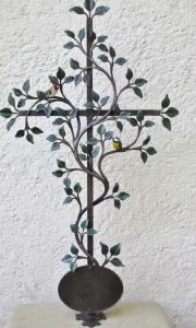 Lebensbaum mit Vogerl und Tafel