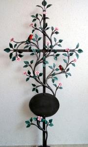 """Grabkreuz """"Vergiss mein nicht"""" mit rosa Blüten, Vogerl bemalt und Tafel"""