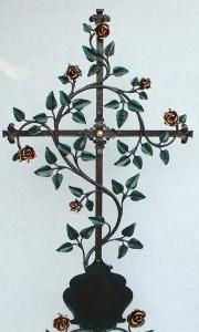 Rosenkreuz mit Tafel, bemalt und blattvergoldet