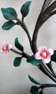 rosa Blüten mit Blattgold