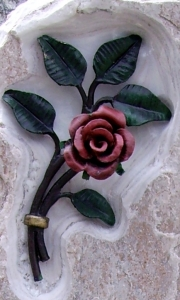 Steingestaltung Rose