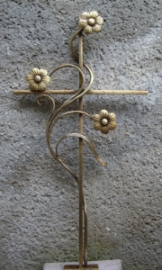 Grabkreuze aus Schmiedebronze