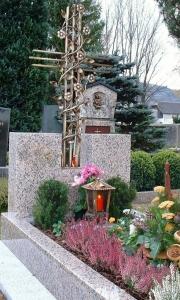 Grabkreuz Anna