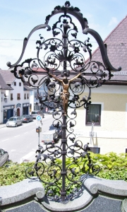 Grabkreuz B6K mit Dach