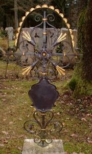 Grabkreuz S10 mit Tafel blattvergoldet und bemalt