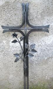Urnenkreuz mit Rose 90x43 cm