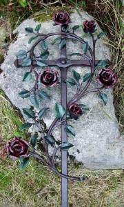 Urnenkreuz mit Rosen, bemalt